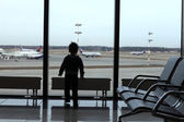 Child at airport — Stock Photo