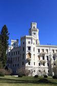 Fasáda zámku hluboká nad vltavou město — Stock fotografie
