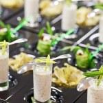 Greek yogurt with arugula rolls — Stock Photo