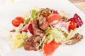 Salad with beef and grapefruit — Stock Photo