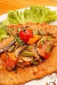 Schnitzel with vegetables — Stock Photo