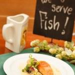 Salmon Steak with Vegetables — Stock Photo