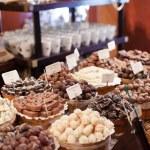 bonbons au chocolat dans la boutique — Photo