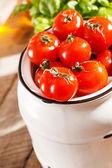 Fresh cherry tomatoes — Stock fotografie