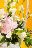 цветы в корзине — Стоковое фото