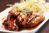 Grilled ribs with salad — Foto Stock