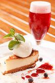 Cheesecake med glass — Stockfoto