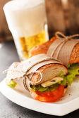 Taze ve lezzetli sandviç — Stok fotoğraf