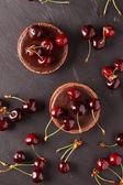 樱桃巧克力酥 — 图库照片