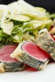 Salad with tuna and strawberries — Stock Photo