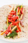 Tortilla jambon ve sebze ile — Stok fotoğraf