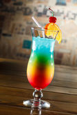 Cocktail in vetro tropicale — Foto Stock