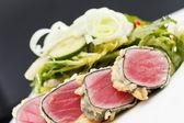 Sallad med tonfisk och jordgubbar — Stockfoto