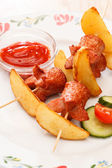 Fried sausages with potatoes for kids menu — 图库照片