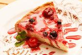 用莓果芝士蛋糕 — 图库照片