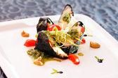 Mano roll sushi — Foto de Stock