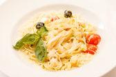 Pasta mit Oliven — Stockfoto
