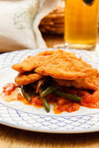 Wiener Schnitzel with vegetables — Stock Photo
