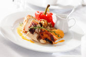жареная курица с овощами — Стоковое фото