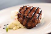 Steak with mashed potatoes — Stock Photo