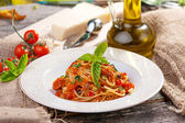 Whole Wheat Spaghetti with Tomato Sauce — Stock Photo