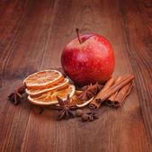 Christmas decorations. Dried oranges, cinnamon, star anise — Stock Photo
