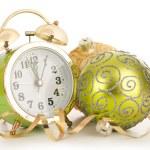 orologio con decorazione di Natale. anno nuovo concetto — Foto Stock