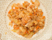 Stewed cabbage with chicken, Onions, and Herbs — Stock Photo