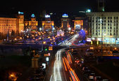 KYIV, UKRAINE - NOVEMBER 10: Night panorama of Maidan Nezalezhno — Stock Photo