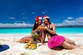 Celebrating christmas on tropical beach — Stock Photo