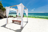 Wedding arch on beach — Stock Photo