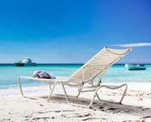 Chaise longue on beach — Stock Photo