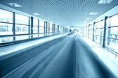 Modern escalatorin airport — Foto Stock