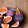 Fresh figs in a plate — Stock Photo
