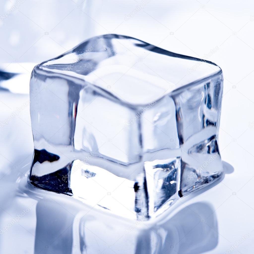 Melting ice cube closeup — Stock Photo #13840880