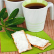Two cups of tea and crackers with cream cheese  — Stock Photo