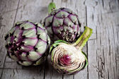 Fresh artichokes — Stock Photo