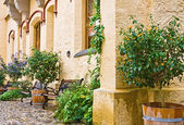 Courtyard of Hohenschwangau Castle, in rainy day — Stock Photo