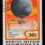 MONGOLIA - CIRCA 1982: A stamp printed in the Mongolia, shows Balloon Blanchard France 1785, circa 1982 — Stock Photo #27953559
