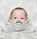 Newborn swaddling — Stock Photo