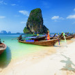 Thailand beach. Beautiful tropical landscape with boat, blue and — Stock Photo