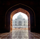 India. Taj Mahal indian palace in Agra. Tajmahal arch view — Stock Photo