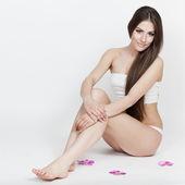A dieta. hermosa morena joven sentado — Foto de Stock