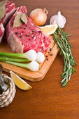 Roast beef with ingredients — Stock Photo