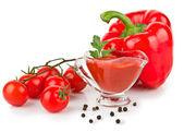 Tomatenketchup saus in kom — Stockfoto