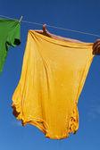 Geel t-shirt. — Stockfoto