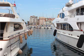 Yachts in Cannes harbor. — Stock Photo