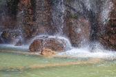 Vattenfall av castle hill, nice, frankrike. — Stockfoto