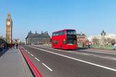 Westminster bridge in London, United Kingdom. — Foto Stock