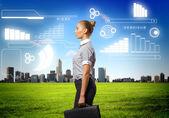 Geschäftsfrau Agaisnt virtuellen Hintergrund — Stockfoto